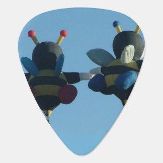 Bee in Love Guitar Pick