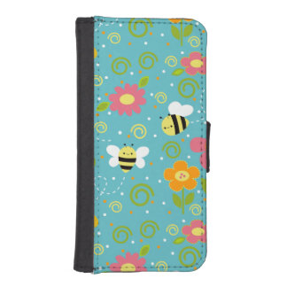 Bees and Flowers iPhone 5/5s Wallet Case