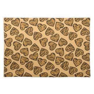 Beige tiger print hearts place mat