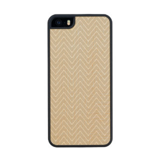 Beige White Chevron Pattern Carved® Maple iPhone 5 Case