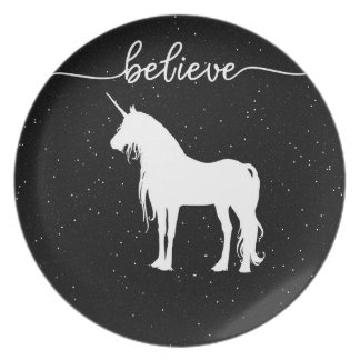 Believe in Unicorns Design Starry Sky Background Party Plates