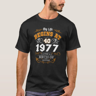 Belinto - My life begins at 40th legends T-Shirt