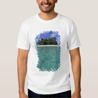 Belize, Barrier Reef, Unnamed island or cay. Tee Shirts