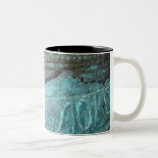 bell crack mug