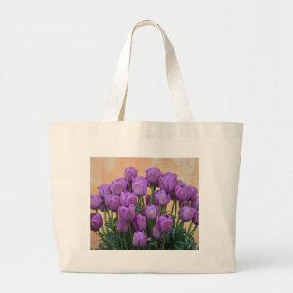 Belles tulipes pourpres de ressort sacs de toile