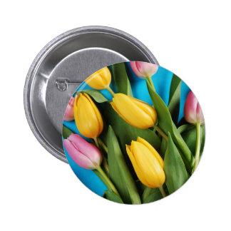 Belles tulipes roses et jaunes de ressort macaron rond 5 cm