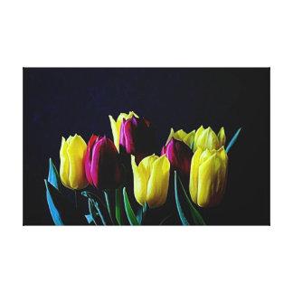 belles tulipes rouges et jaunes sur le bleu impression sur toile