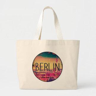 Berlin, Love This City series, circle Large Tote Bag
