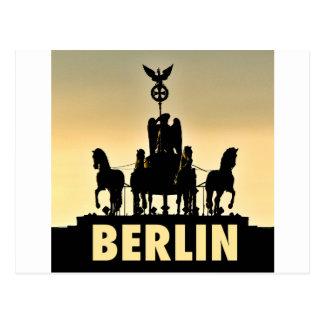 BERLIN Quadriga 002.1 Brandenburg Gate Postcard