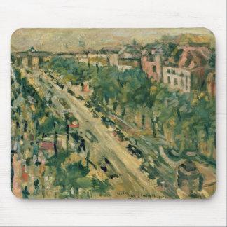 Berlin, Unter den Linden, 1922 Mouse Pad