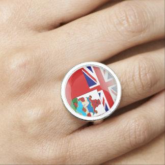Bermudian glossy flag rings