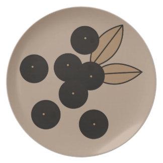 Berry_Plates_Black_Beige-Gray (c) Plates