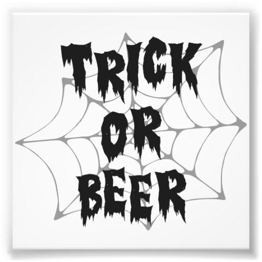 Bière de des bonbons ou un sort de Halloween Impression Photographique