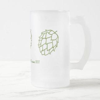 Bière du besoin de demoiselles d'honneur et de frosted glass beer mug