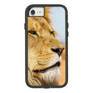 Big lion looking far away Case-Mate tough extreme iPhone 8/7 case