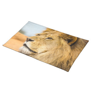 Big lion looking far away placemat