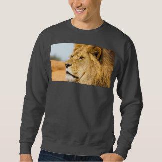 Big lion looking far away sweatshirt