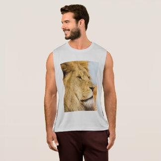 Big lion looking far away tank top