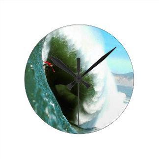 Big Steep Surfing Wave Round Clock