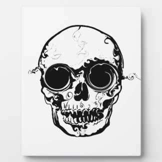 bigger skull plaque