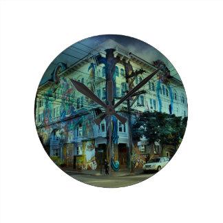 Bilding san francisco round clock