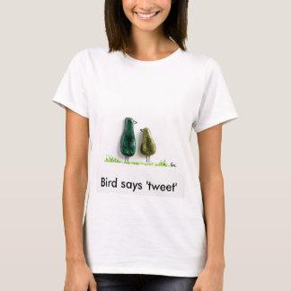 Bird says 'tweet' 2 cute love birds green ceramic T-Shirt