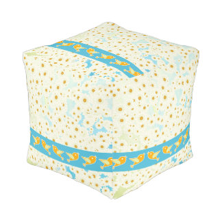 Birds and daisies pouf