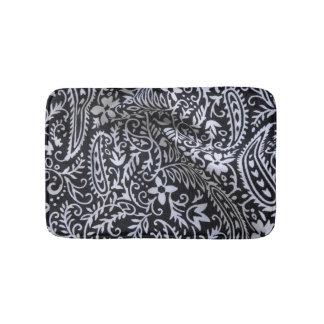 Black and white bandana print bath mat