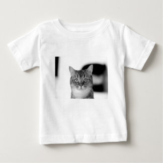Black and white cat looking straight at you baby T-Shirt
