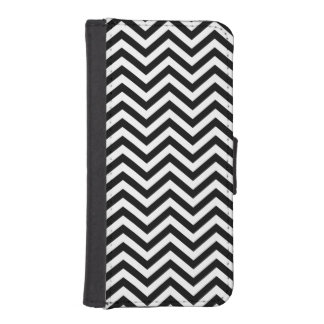 Black and White Chevron iPhone 5 Wallet Case
