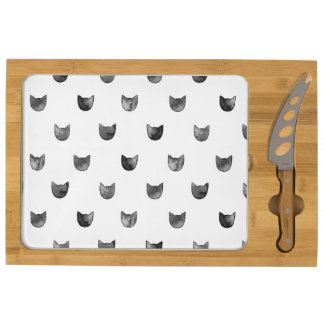 Black and White Chic Cute Cat Pattern Round Cheese Board