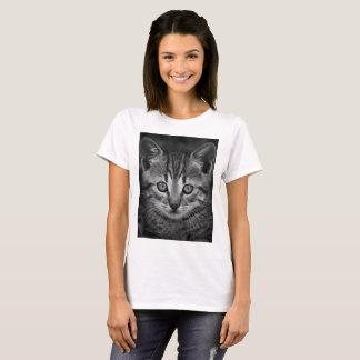 Black and white cute cat portrait T-shirt