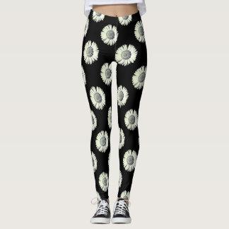 Black and white daisy - Black background Leggings
