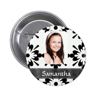 Black and white daisy pattern buttons