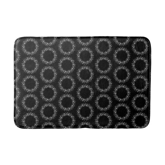 Black And White Dots Bathroom Mat