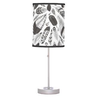 Black and white feathers pattern table lamp