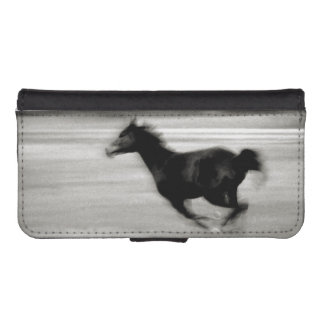 Black and White Galloping Horse iPhone SE/5/5s Wallet Case