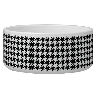 Black and White Houdstooth Pattern Dog Food Bowl