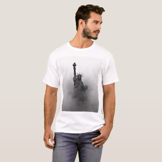 Black and White Lady Liberty shrouded in fog T-Shirt