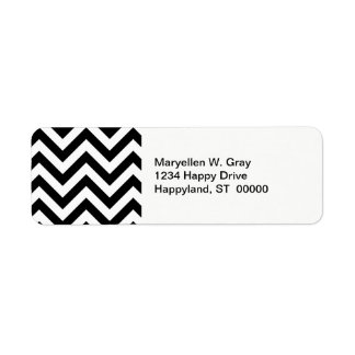 Black and White Large Chevron ZigZag Pattern