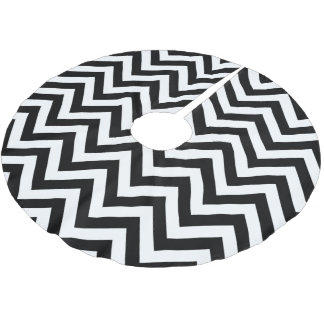 Black and White Large Chevron ZigZag Pattern Brushed Polyester Tree Skirt