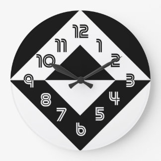 Black And White Modern Round Wall Clock
