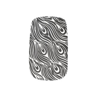 Black and white peacock feathers minx nail art