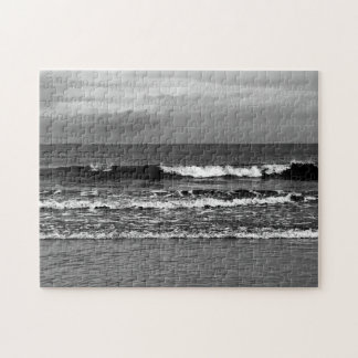 Black and white photo of the ocean, 252 pieces jigsaw puzzle