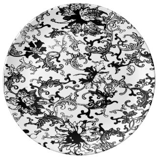 Black and white porcelain plate