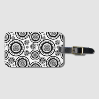 Black and White Repeating Wheel Pattern Luggage Tag
