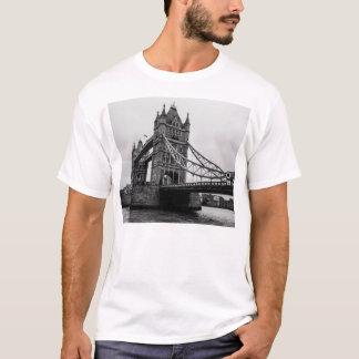 Black and White Tower Bridge, London UK T-Shirt