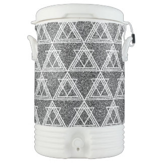 Black and White Triangle Geometric Pattern Cooler