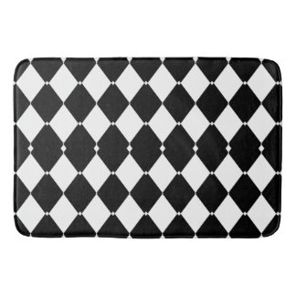Black and white triangles bathmat