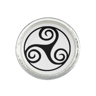 Black and White Triskelion or Triskele Ring